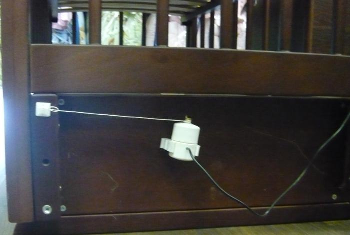 Устройство для качания кроватки